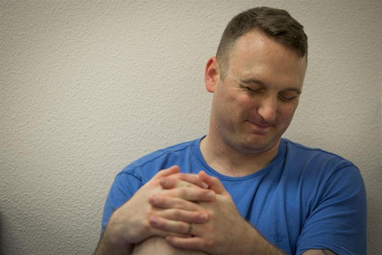 علاج تنميل اليدين بالمساج