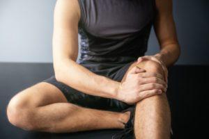 العلاج الطبيعي لصابونة الركبة